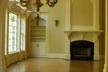 House Plan Design - Classical Photo Plan #119-207