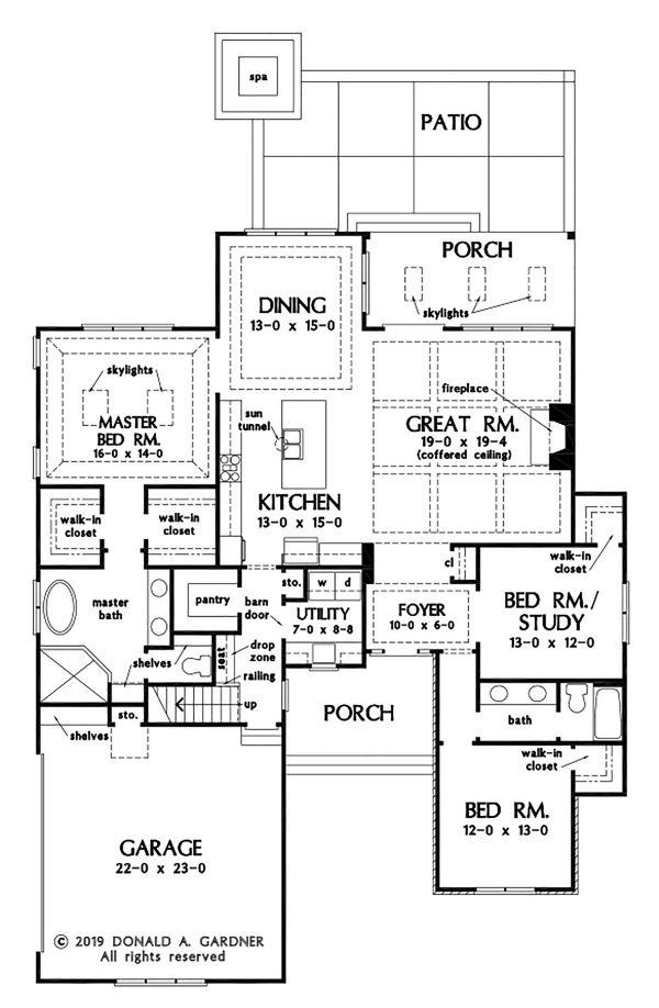 Craftsman Floor Plan - Main Floor Plan Plan #929-1112