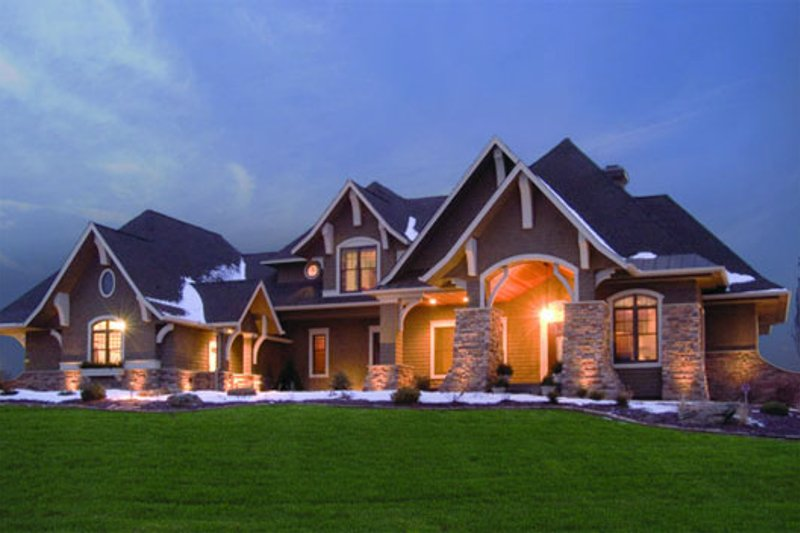 Craftsman Style House Plan - 5 Beds 4 Baths 5077 Sq/Ft Plan #56-592 Exterior - Front Elevation
