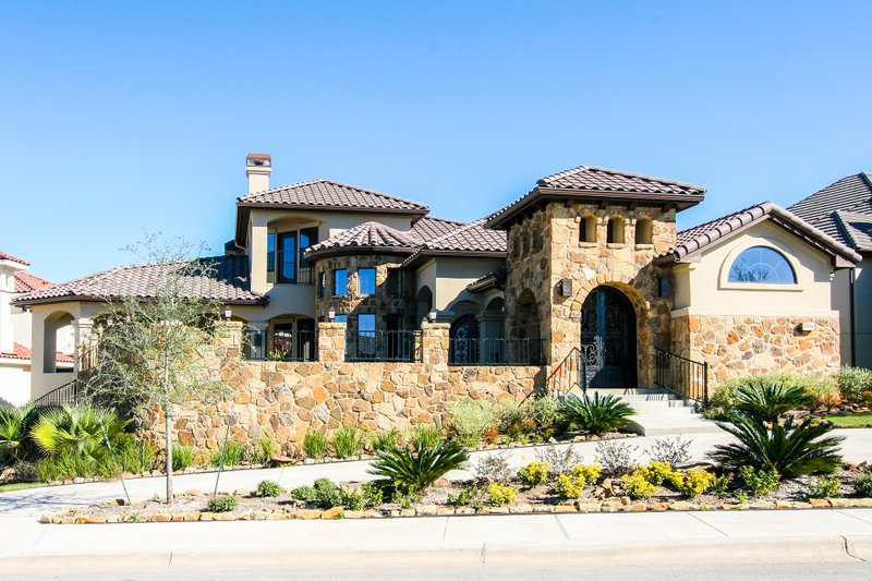 Mediterranean Style House Plan - 4 Beds 3 Baths 3583 Sq/Ft Plan #80-208 Exterior - Front Elevation