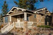 Craftsman Style House Plan - 3 Beds 2 Baths 1591 Sq/Ft Plan #895-104 Exterior - Front Elevation