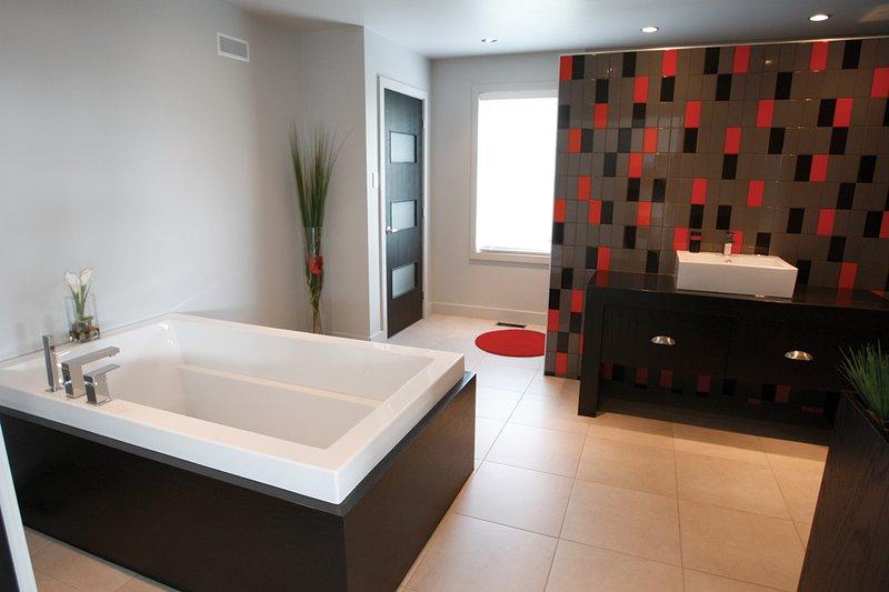 Master Bath - 3200 square foot Modern Home