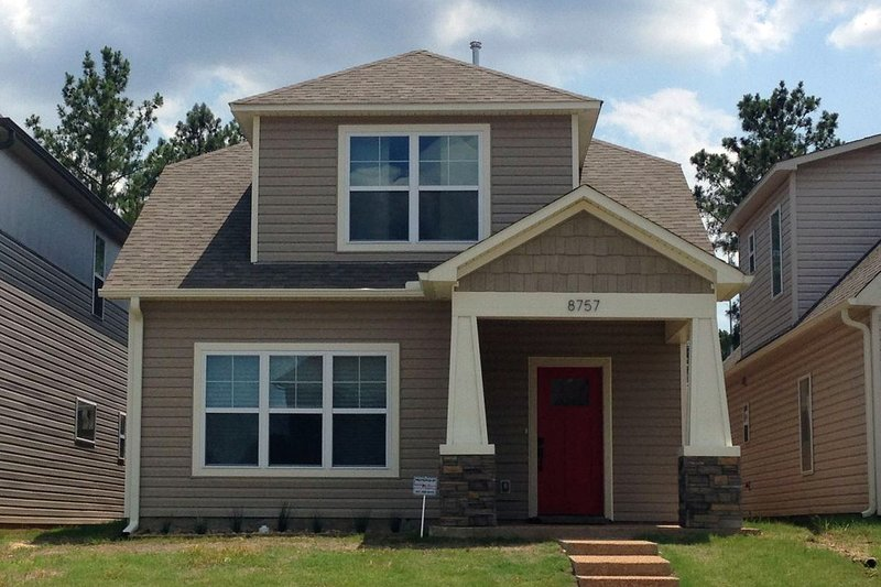 Bungalow Style House Plan - 3 Beds 2.5 Baths 1768 Sq/Ft Plan #932-6 Exterior - Front Elevation