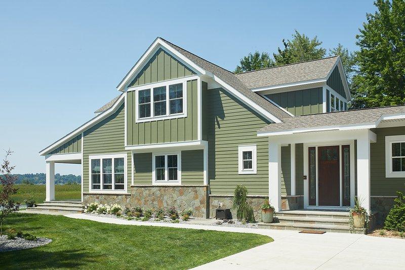 Home Plan - Bungalow Exterior - Front Elevation Plan #928-330