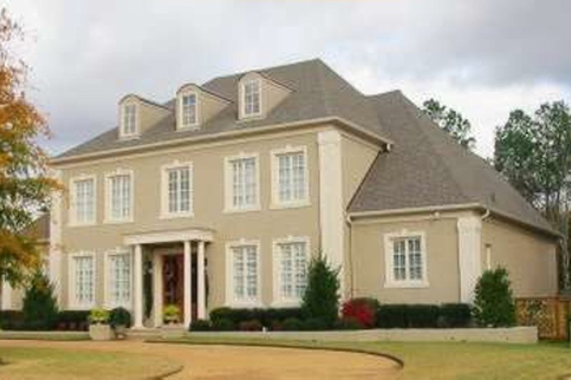 Colonial Style House Plan - 5 Beds 4 Baths 5352 Sq/Ft Plan #81-1625 Exterior - Front Elevation