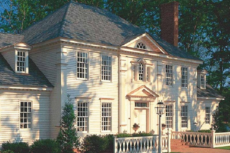 Colonial Exterior - Front Elevation Plan #137-112 - Houseplans.com