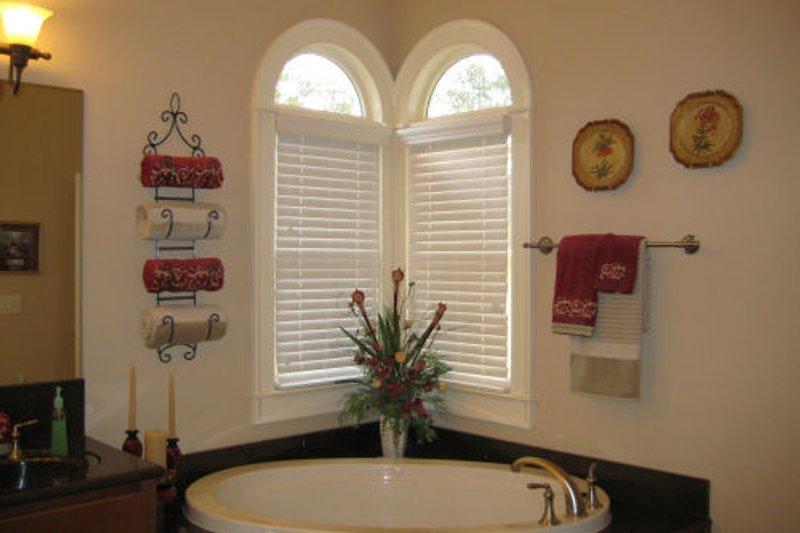 Traditional Photo Plan #437-45 - Houseplans.com