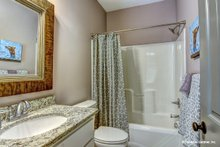 Ranch Interior - Bathroom Plan #929-1013