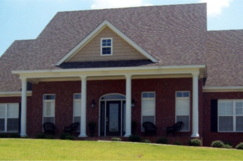 Dream House Plan - Traditional Exterior - Front Elevation Plan #63-345