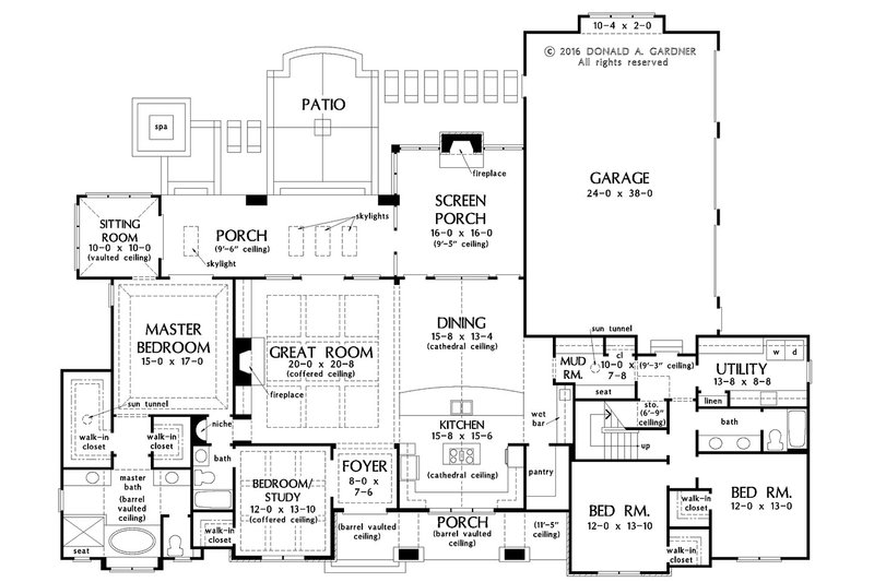 European Floor Plan - Main Floor Plan Plan #929-1023