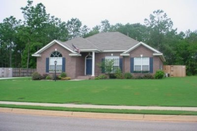 European Style House Plan - 4 Beds 2 Baths 1795 Sq/Ft Plan #69-164 Exterior - Front Elevation