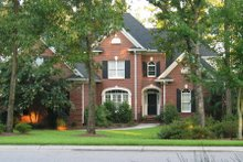 Traditional Exterior - Front Elevation Plan #1054-79