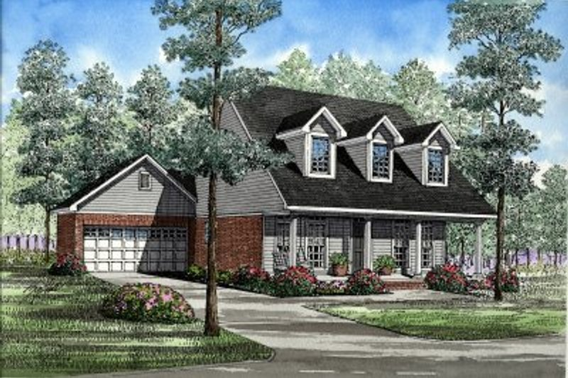 Traditional Style House Plan - 3 Beds 2 Baths 1541 Sq/Ft Plan #17-261 Exterior - Front Elevation