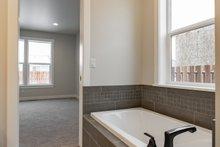 Craftsman Interior - Master Bathroom Plan #1070-53