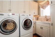 Prairie Interior - Laundry Plan #80-198