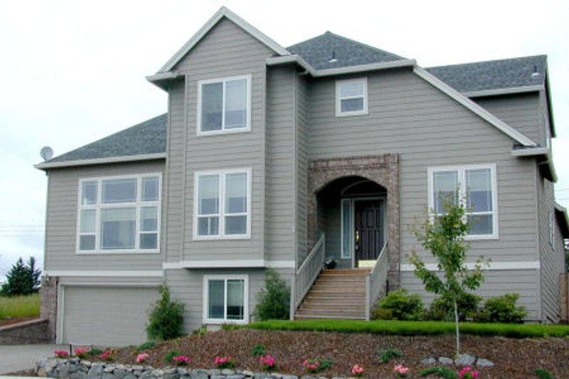 Dream House Plan - Traditional Exterior - Front Elevation Plan #48-327