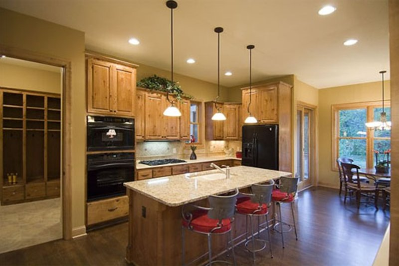 Craftsman Interior - Kitchen Plan #56-597 - Houseplans.com