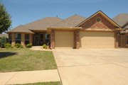 Traditional Style House Plan - 3 Beds 2 Baths 1494 Sq/Ft Plan #65-437 Exterior - Front Elevation