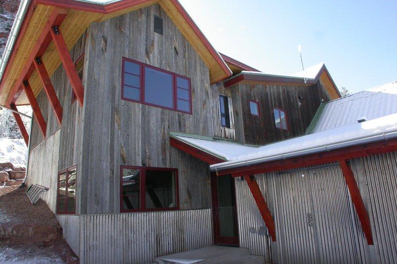 Craftsman Style House Plan - 4 Beds 3 Baths 3131 Sq/Ft Plan #902-2