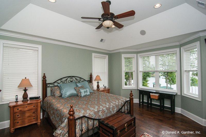 Craftsman Interior - Master Bedroom Plan #929-26 - Houseplans.com