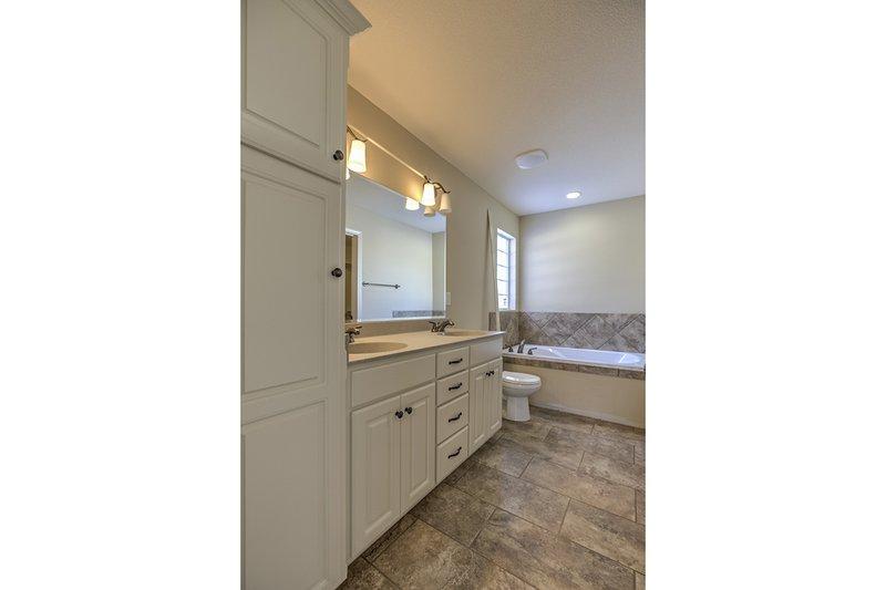 Ranch Interior - Master Bathroom Plan #20-1869 - Houseplans.com
