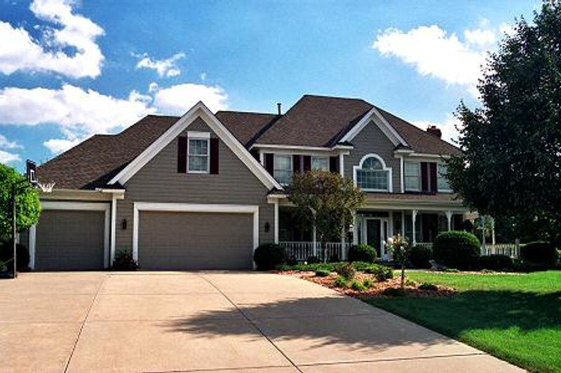Traditional Exterior - Front Elevation Plan #51-360 - Houseplans.com