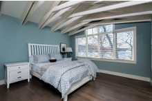 Bungalow Interior - Master Bedroom Plan #928-9