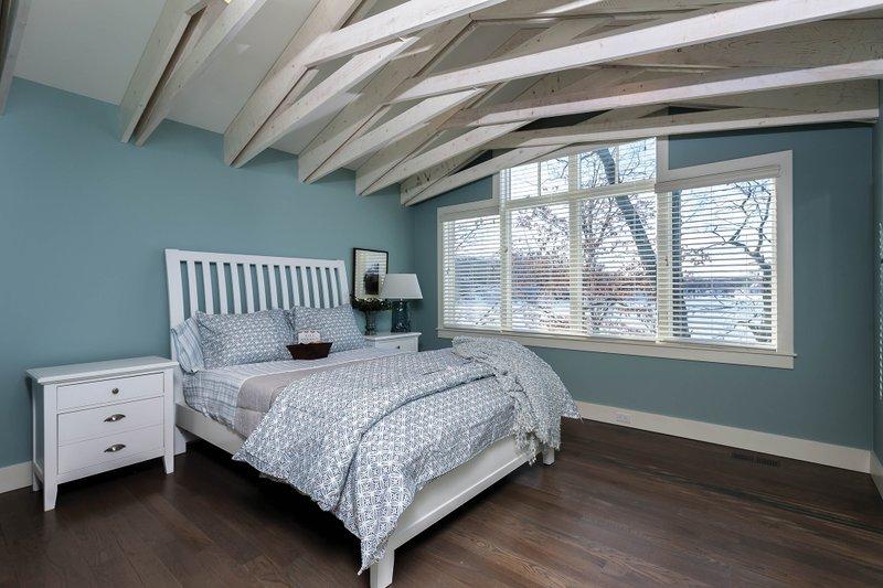 Bungalow Interior - Master Bedroom Plan #928-9 - Houseplans.com
