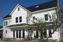 House Plan Design - farmhouse back porch