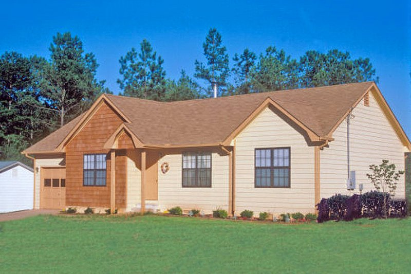 Country Style House Plan - 3 Beds 2 Baths 1141 Sq/Ft Plan #30-110 Exterior - Front Elevation