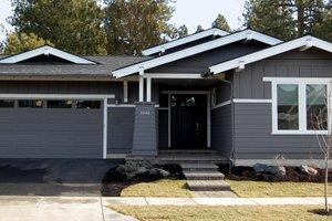 Craftsman Exterior - Front Elevation Plan #895-26