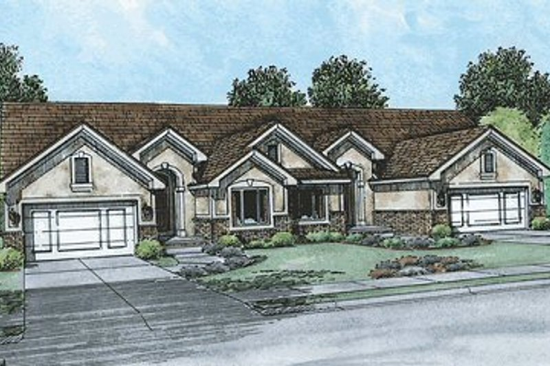 Traditional Exterior - Front Elevation Plan #20-1557 - Houseplans.com