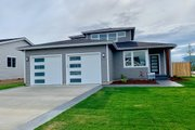 Contemporary Style House Plan - 3 Beds 2.5 Baths 2056 Sq/Ft Plan #1070-73