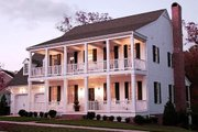 Southern Style House Plan - 4 Beds 3 Baths 2631 Sq/Ft Plan #137-146 Exterior - Front Elevation