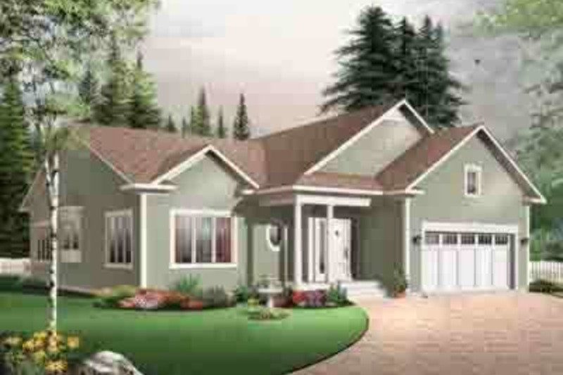 Traditional Exterior - Front Elevation Plan #23-645 - Houseplans.com