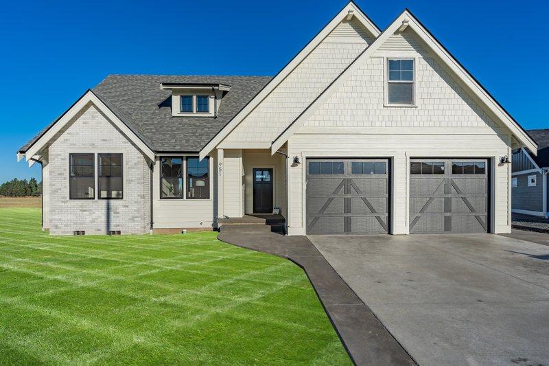 Architectural House Design - Farmhouse Exterior - Front Elevation Plan #1070-127