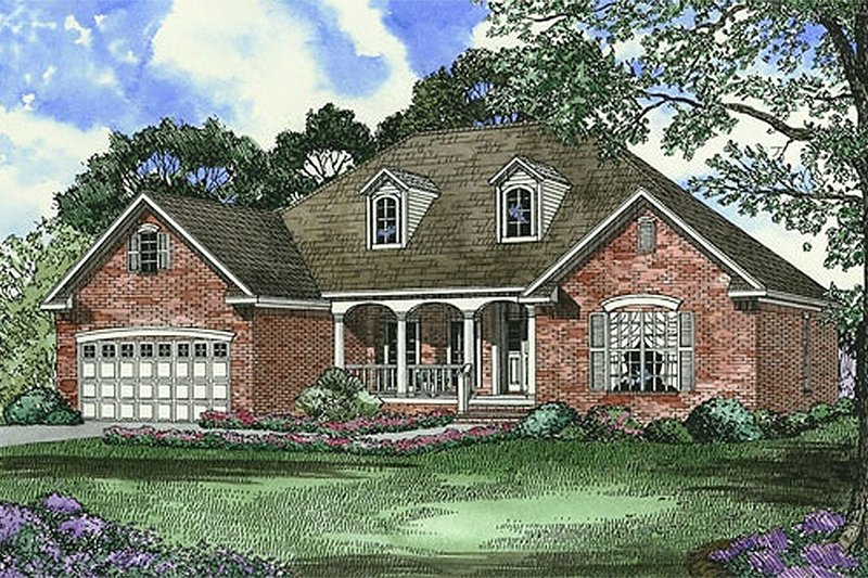 Traditional Style House Plan - 4 Beds 2 Baths 1880 Sq/Ft Plan #17-1093 Exterior - Front Elevation