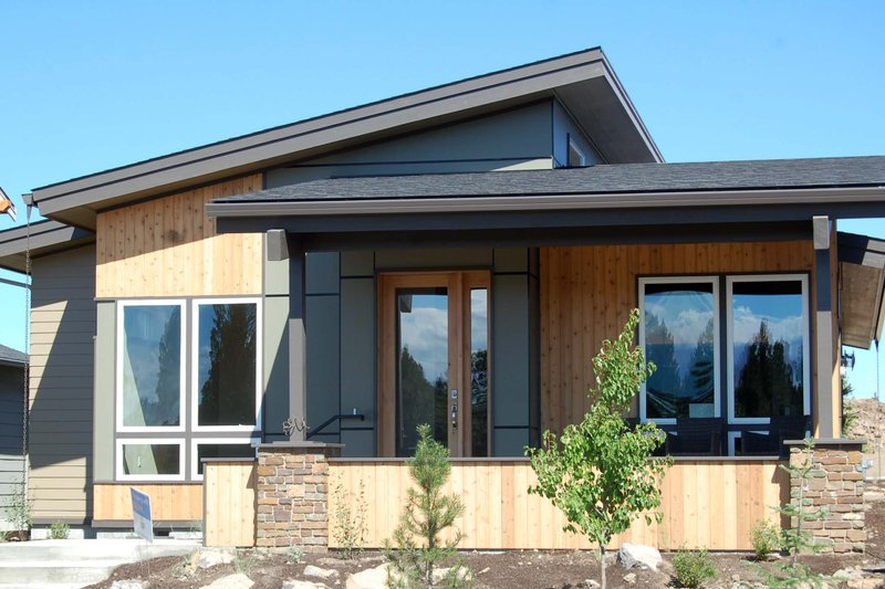Dream House Plan - Modern Exterior - Front Elevation Plan #895-31