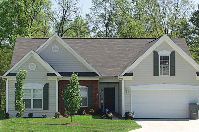 Dream House Plan - Traditional Photo Plan #453-66