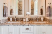 Craftsman Style House Plan - 5 Beds 4 Baths 3112 Sq/Ft Plan #929-839 Interior - Bathroom