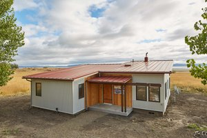 Modern Exterior - Front Elevation Plan #890-10
