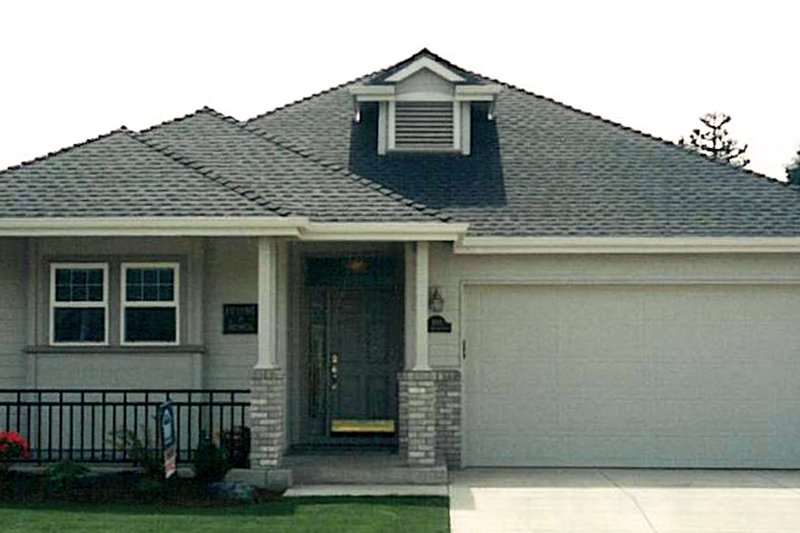 Home Plan - Exterior - Front Elevation Plan #124-357