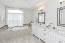 Craftsman Interior - Master Bathroom Plan #929-978