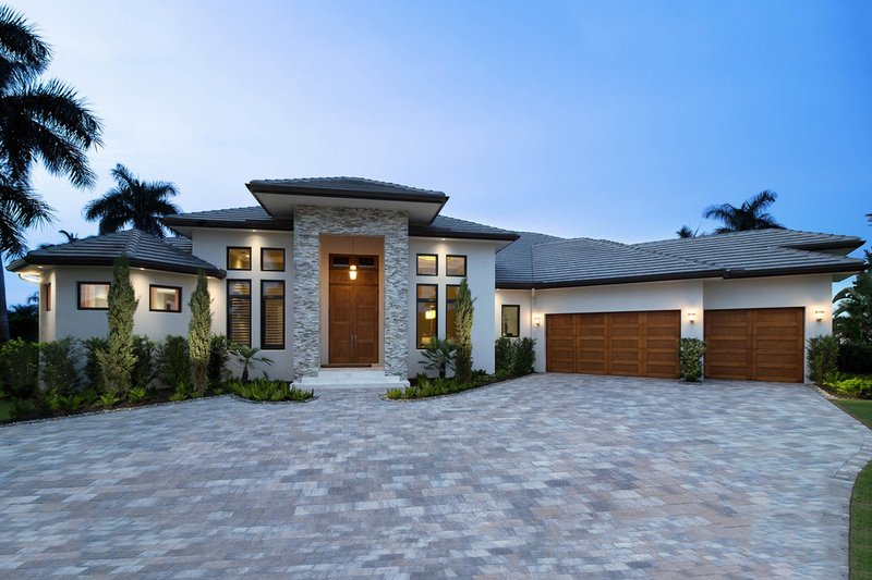Contemporary Style House Plan - 3 Beds 3.5 Baths 4120 Sq/Ft Plan #27-563 Exterior - Front Elevation