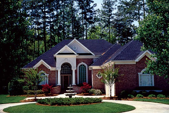 Colonial Exterior - Front Elevation Plan #453-33