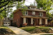 Craftsman Style House Plan - 4 Beds 2.5 Baths 3147 Sq/Ft Plan #424-168 Exterior - Front Elevation