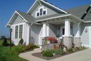 Craftsman Style House Plan - 3 Beds 3 Baths 2577 Sq/Ft Plan #458-16