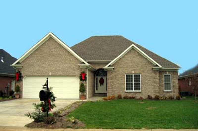 European Style House Plan - 3 Beds 2 Baths 1840 Sq/Ft Plan #412-114 Exterior - Front Elevation
