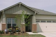 Craftsman Style House Plan - 3 Beds 2 Baths 1556 Sq/Ft Plan #63-151 Exterior - Front Elevation