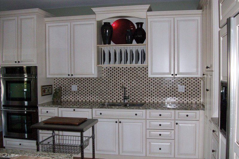 Craftsman Interior - Kitchen Plan #927-2 - Houseplans.com